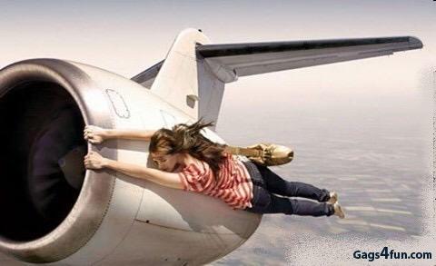 Je aansluitende vlucht missen. Boehoehoehoe…..ik wil naar huiuiuiuiuisssss…..
